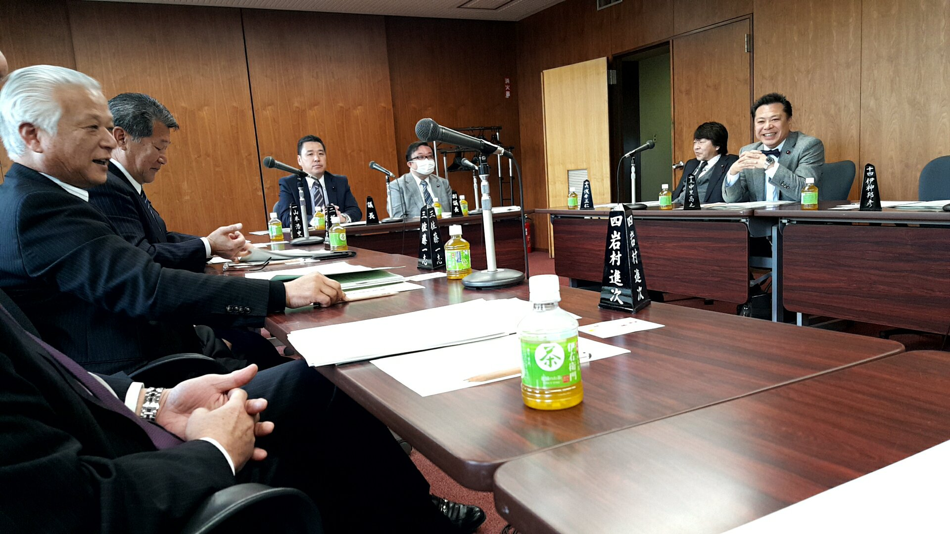 名古屋競輪組合議会の本会議   ...